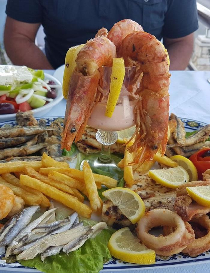 kaiser-benitses-restaurant